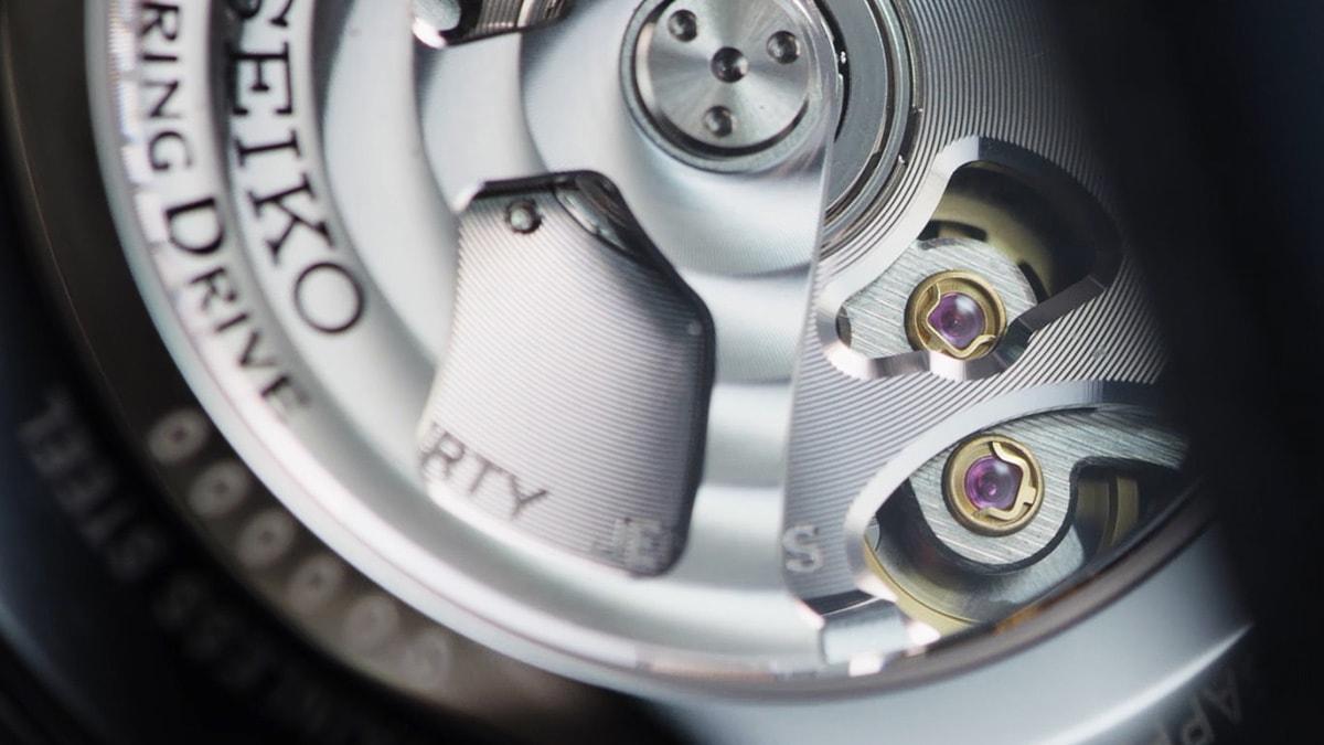 gallery4 - SNR039J1 & SNR037J1 Ra mắt mẫu đồng hồ Seiko Chuyển động của Spring Drive cực chất