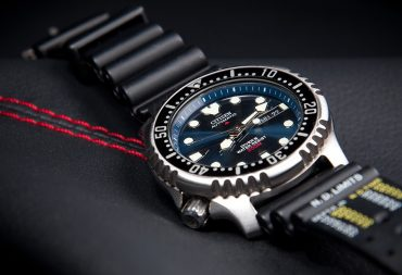 dong ho Citizen Eco drive Promaster Diver 370x253 - Trang Chủ