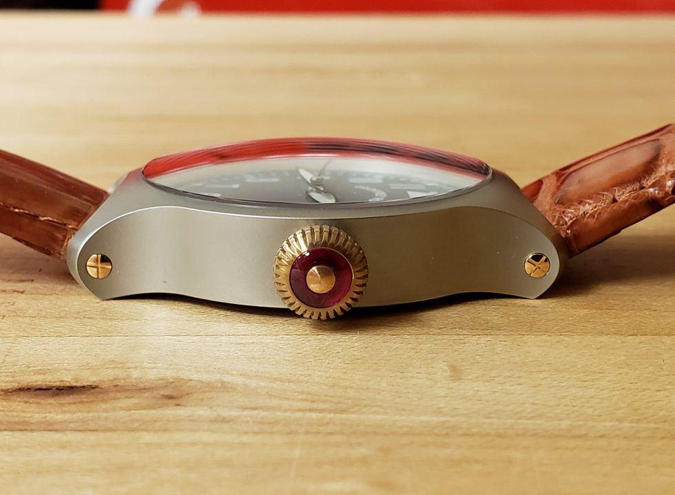 hh7 2 - Đồng hồ Geoffrey Roth HH7 Flieger là của nước nào? có tốt không?