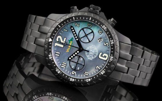 Đồng hồ Iron Wolf của Pramzius huyền thoại trên cổ tay của bạn