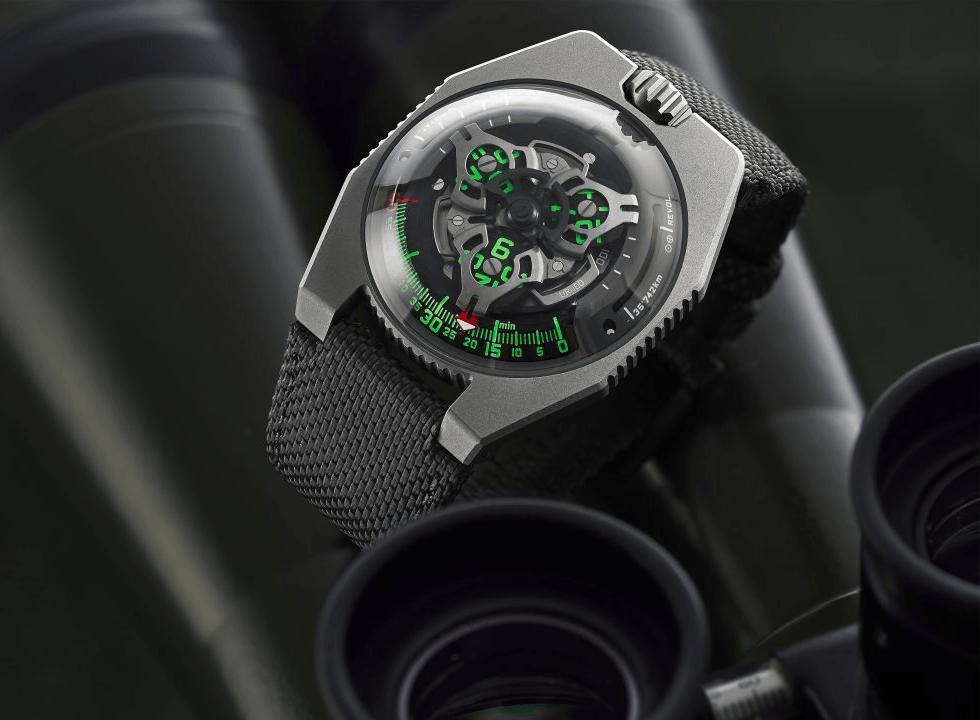 URWERKUR100 2.2 - Khám phá đồng hồ Urwerk UR-100 SpaceTime Gunmetal có gì đặc biệt?