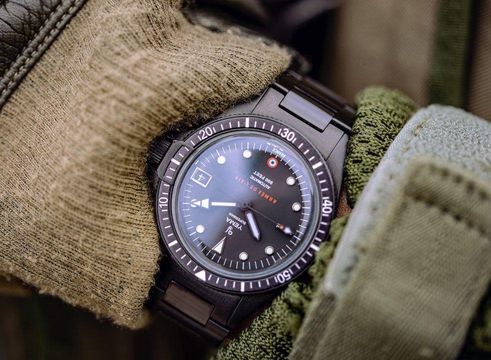 dong ho phap YEMA 9 - Đồng hồ Pháp Yema giá bình dân - Phiên bản giới hạn quân sự