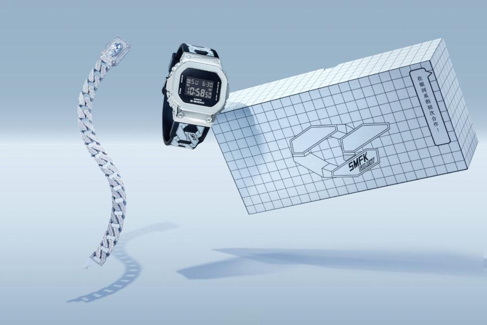 """gm s5600 - G-Shock GM-S5600 và vòng đeo tay bằng thép """"thiên hà"""" từ SMFK"""