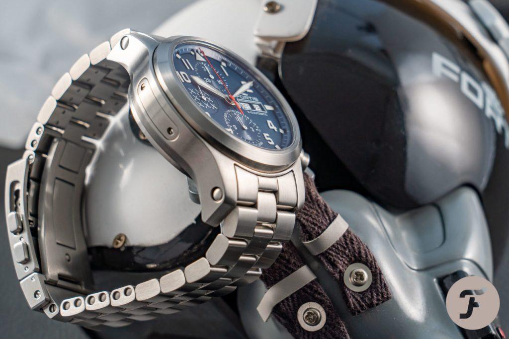 fortis pc7 chrono 01516 1024x683 - Khám phá đồng hồ Fortis Aeromaster PC-7 đậm chất thể thao
