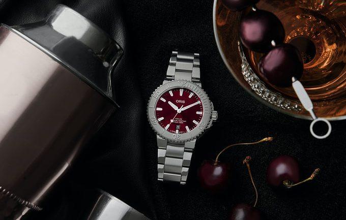 Khám phá đồng hồ Oris Aquis Date 'Cherry' 41,5mm