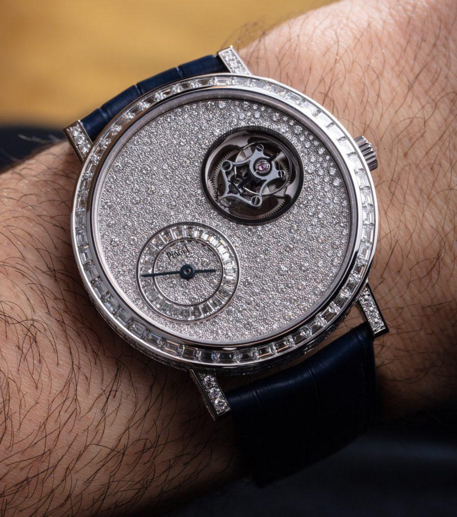 Piaget Altiplano Tourbillon Diamonds watches 14 906x1024 - Khám phá hai chiếc đồng hồ Piaget Altiplano Tourbillon được trang trí bằng kim cương