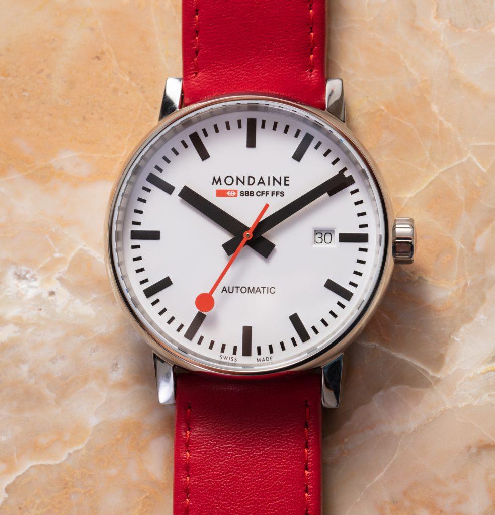 Mondaine Official Swiss Railways Evo2 Automatic watches 2 984x1024 - Đồng hồ tự động Mondaine Official Swiss Railways Evo2